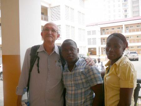 Prof. Marcos Montysuma com estudantes do ICED